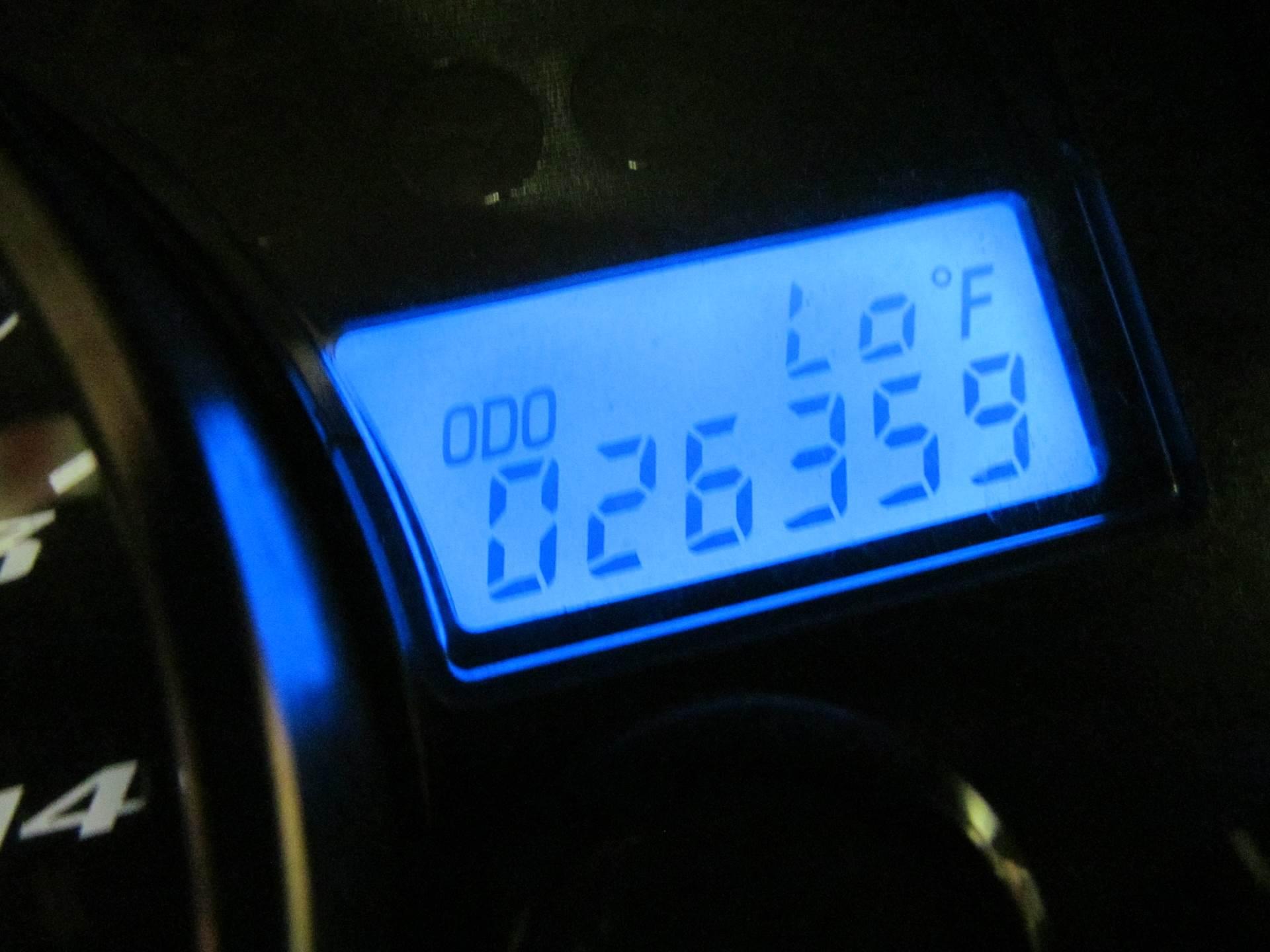 2006 Yamaha YZF-R1 10