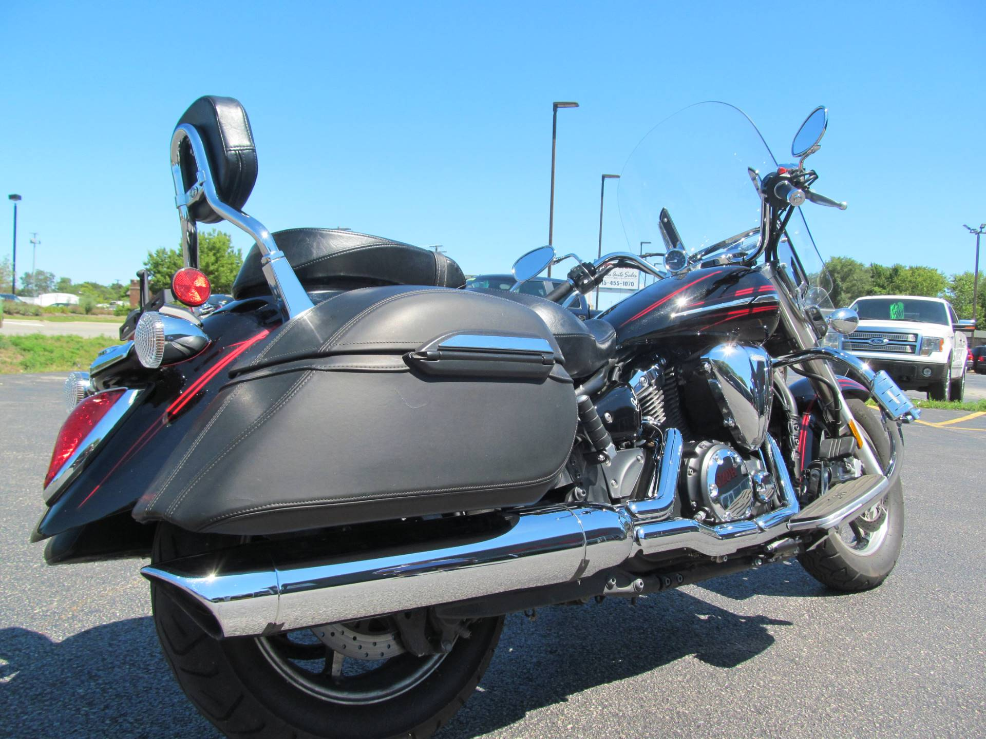 2009 Yamaha V Star 1300 Tourer in Crystal Lake, Illinois - Photo 5