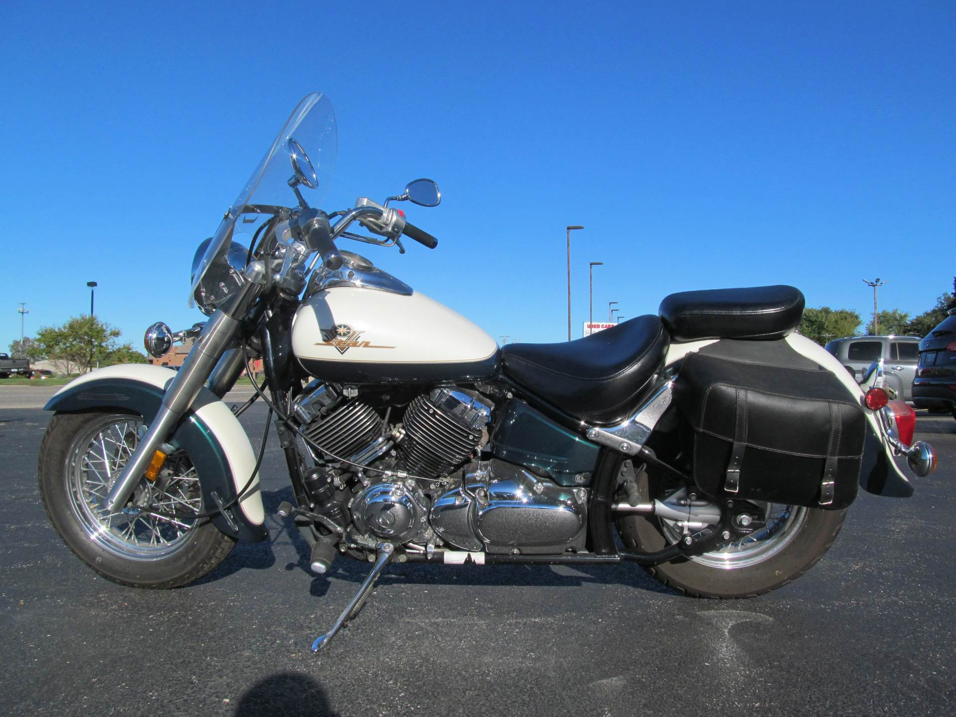 1999 Yamaha V Star Classic in Crystal Lake, Illinois - Photo 2