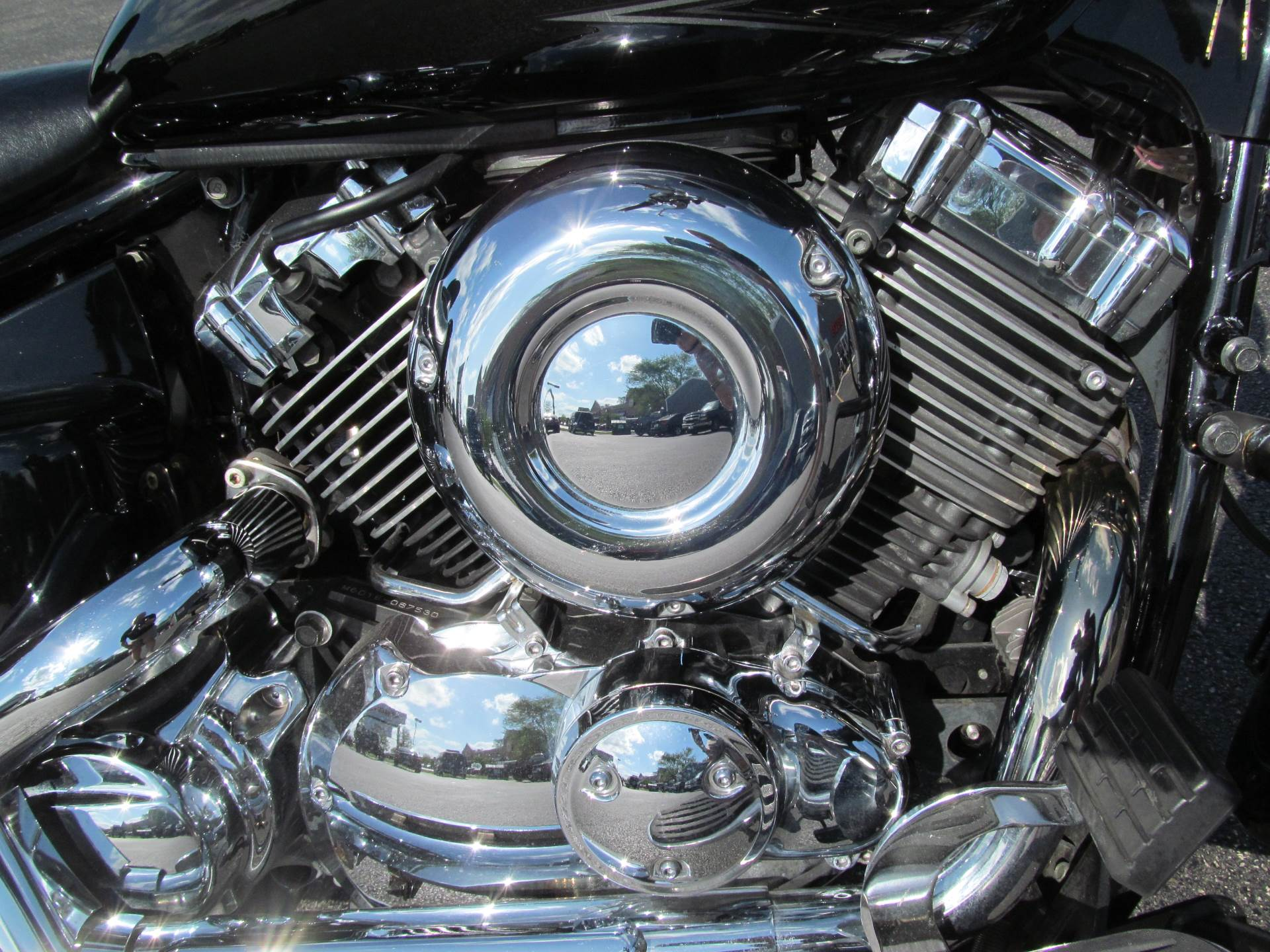 2004 Yamaha V Star 650 in Crystal Lake, Illinois
