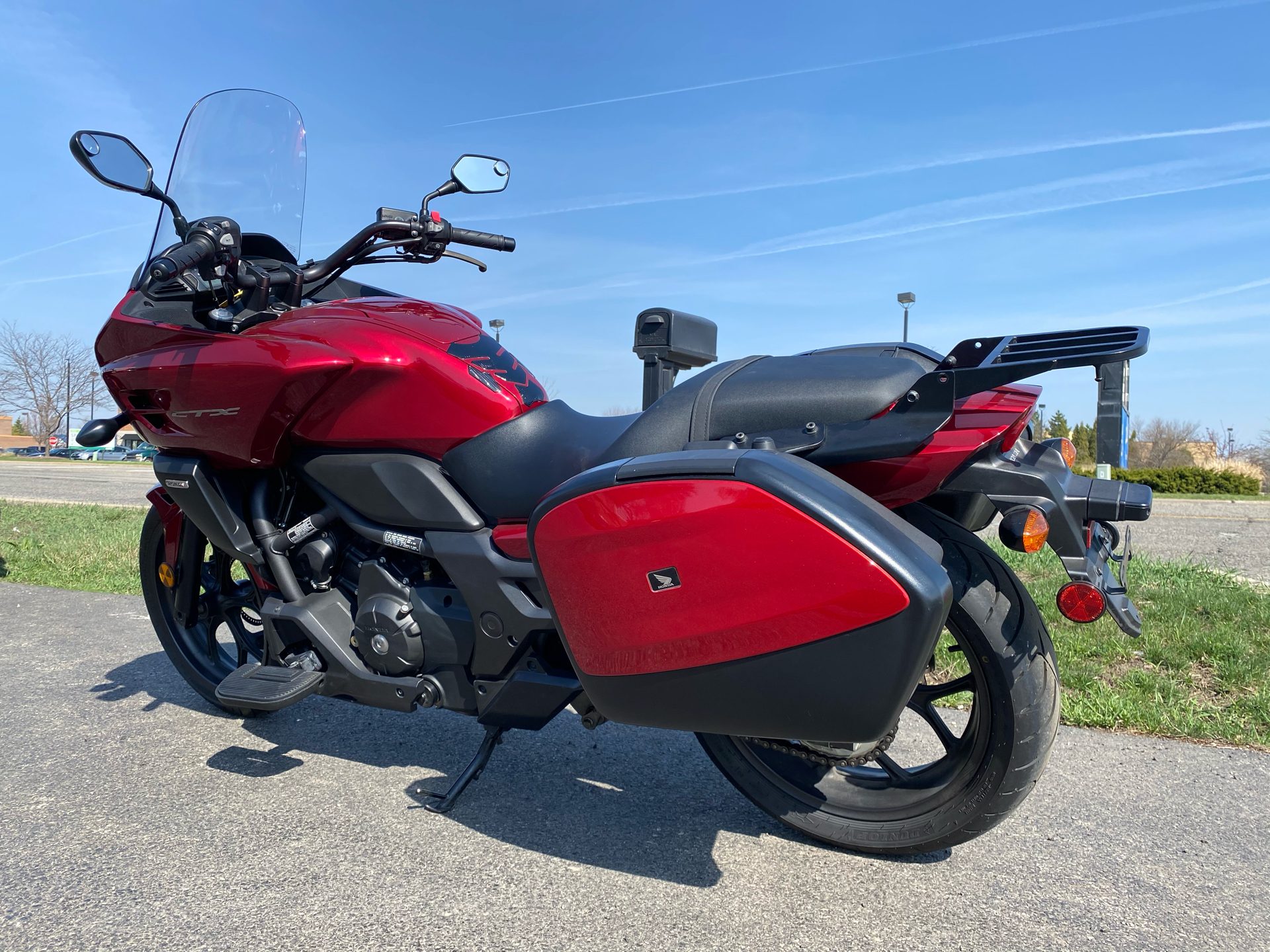 2014 Honda CTX®700 DCT ABS in Crystal Lake, Illinois - Photo 6