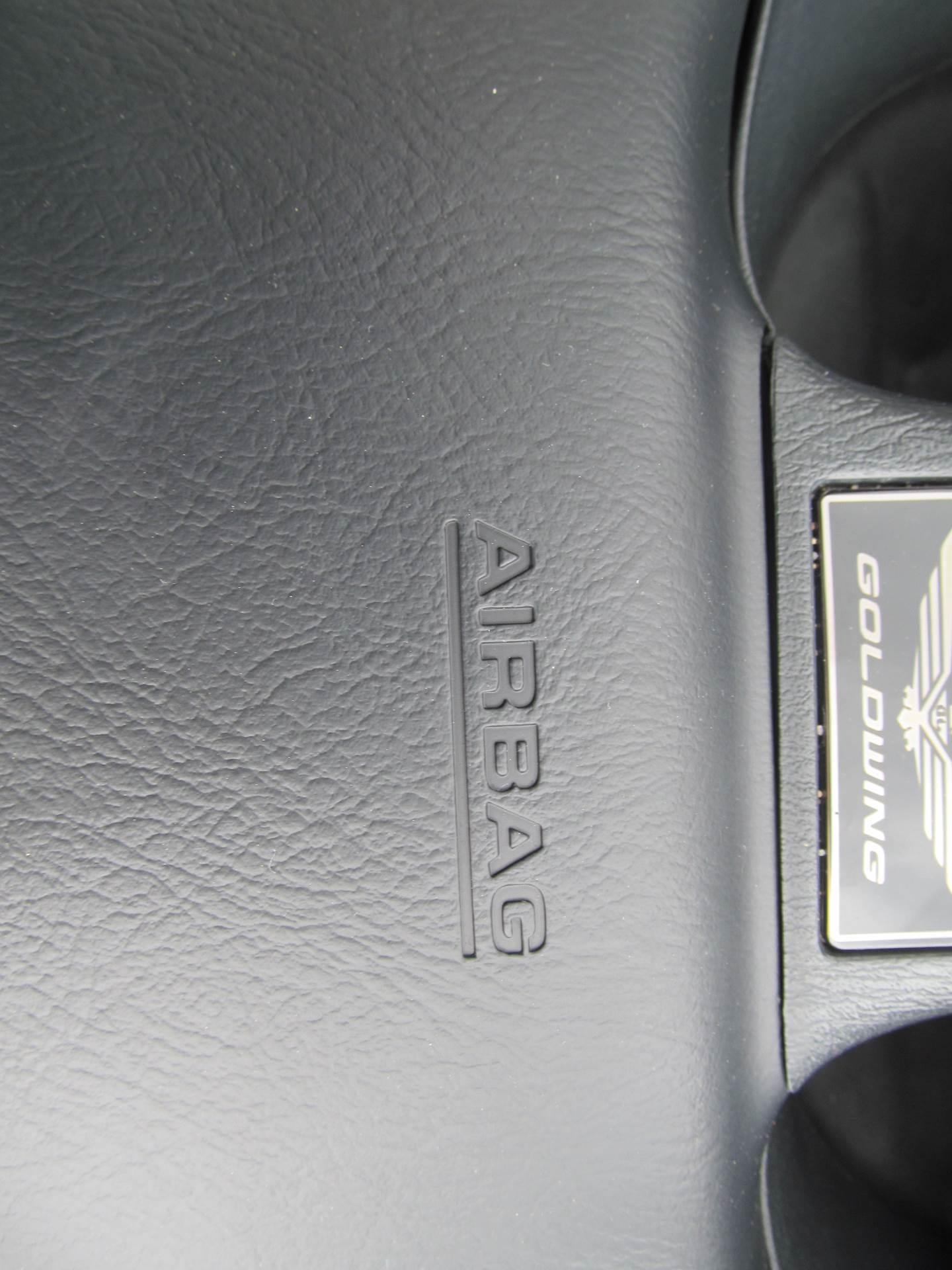 2006 Honda Gold Wing Airbag 10