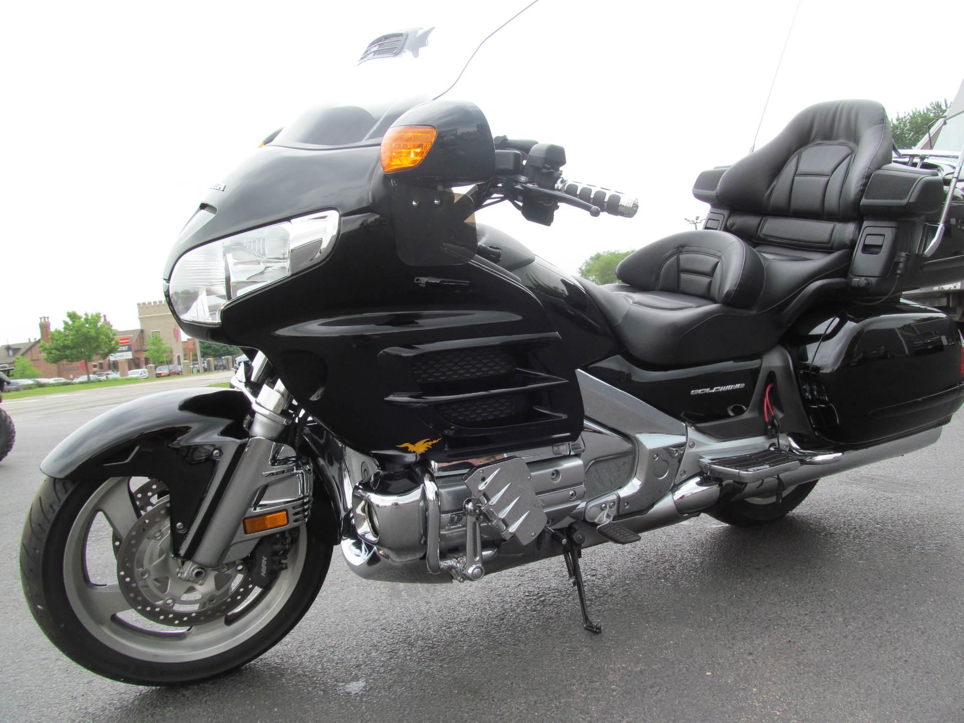 2006 Honda Gold Wing Airbag 2