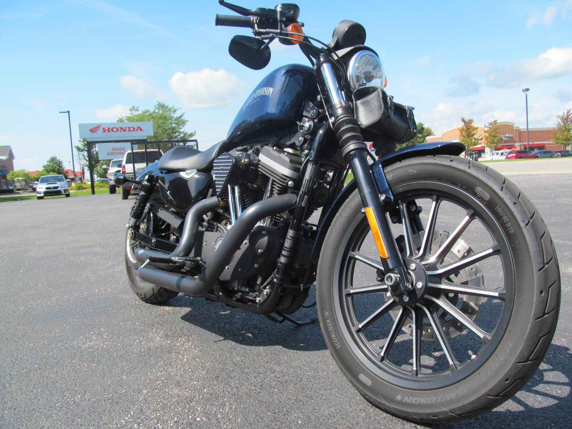 2012 Harley-Davidson Sportster® Iron 883™ in Crystal Lake, Illinois - Photo 3