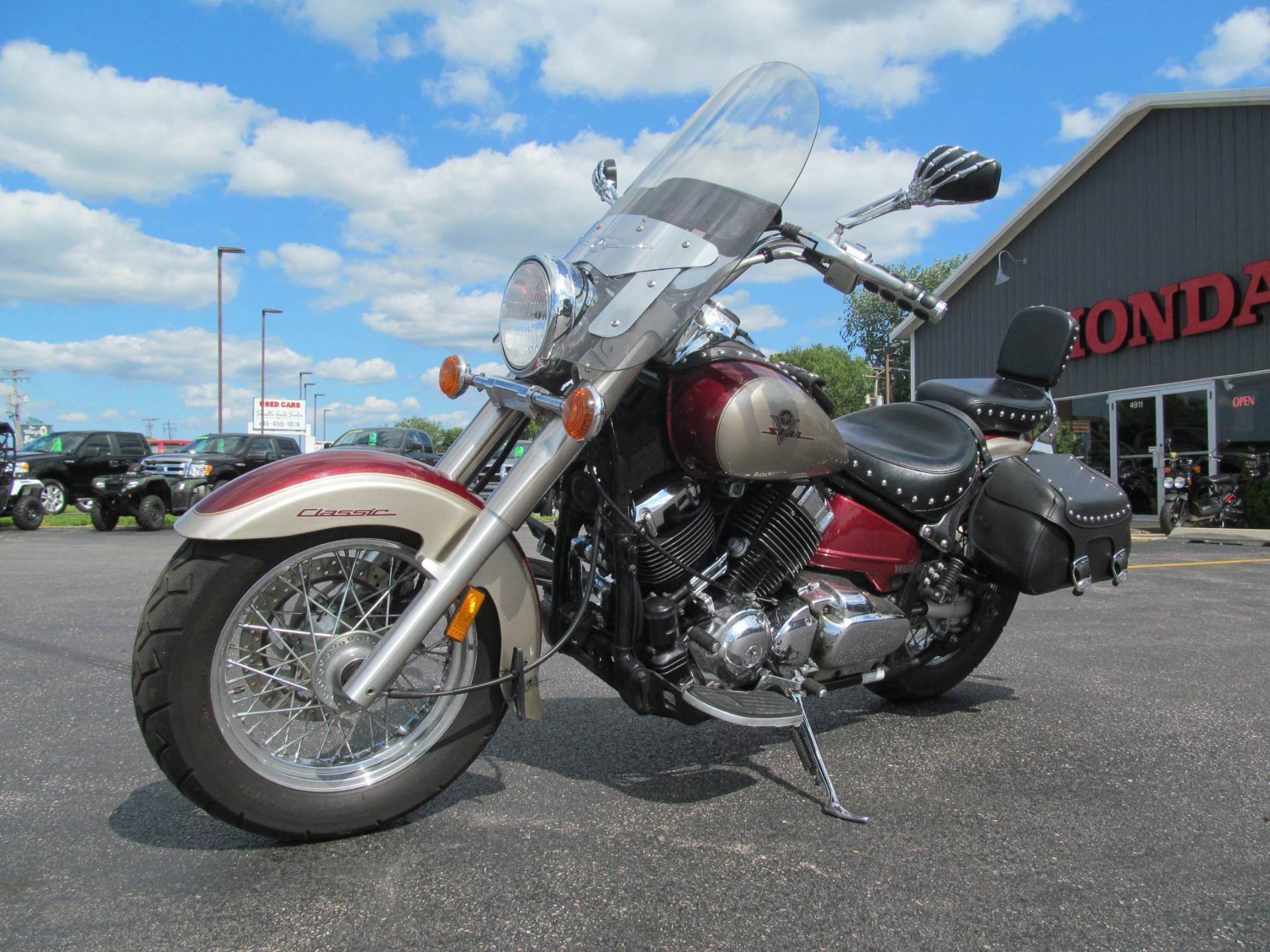 2003 Yamaha V Star 650 in Crystal Lake, Illinois - Photo 2
