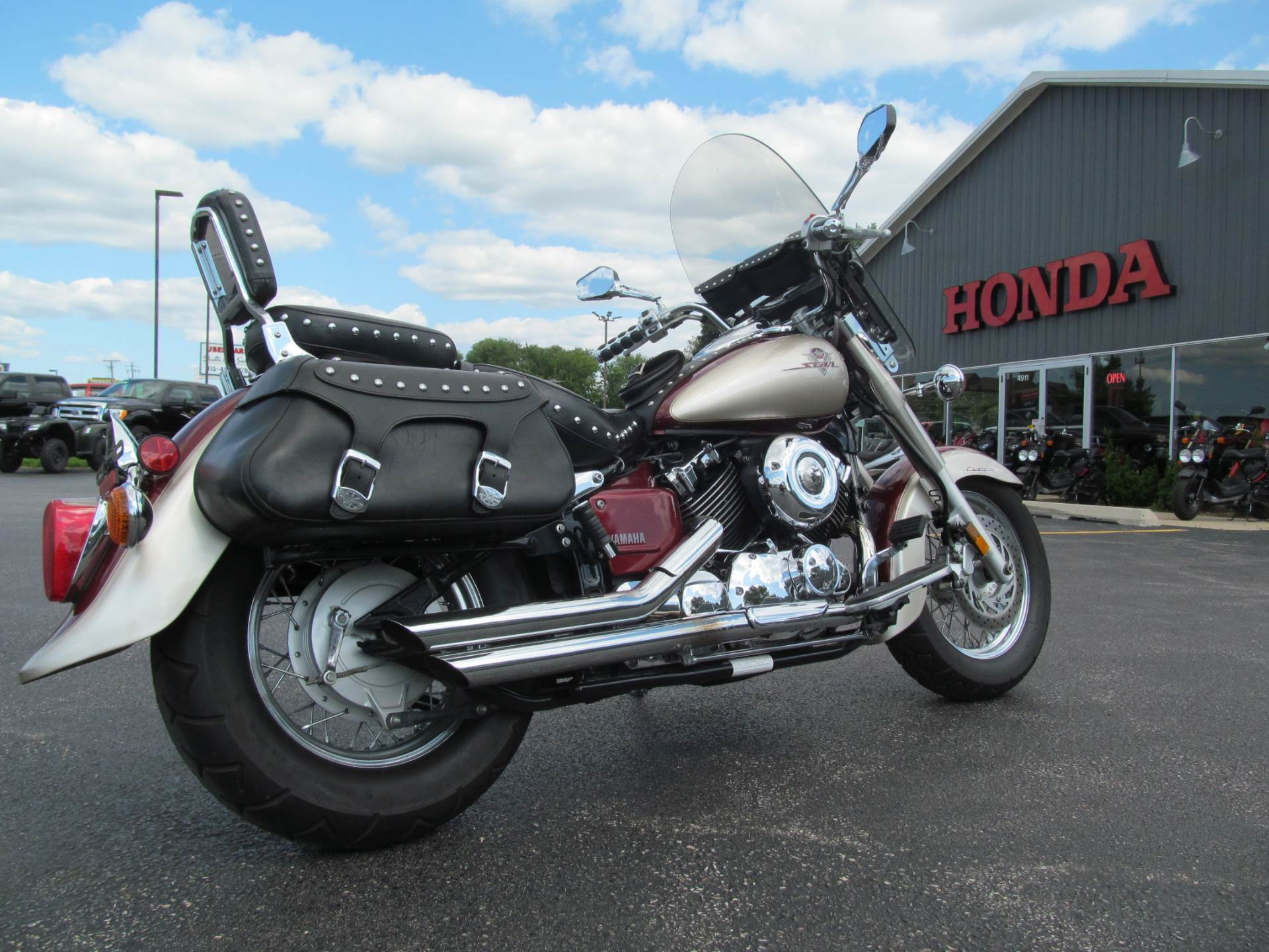 2003 Yamaha V Star 650 in Crystal Lake, Illinois - Photo 6
