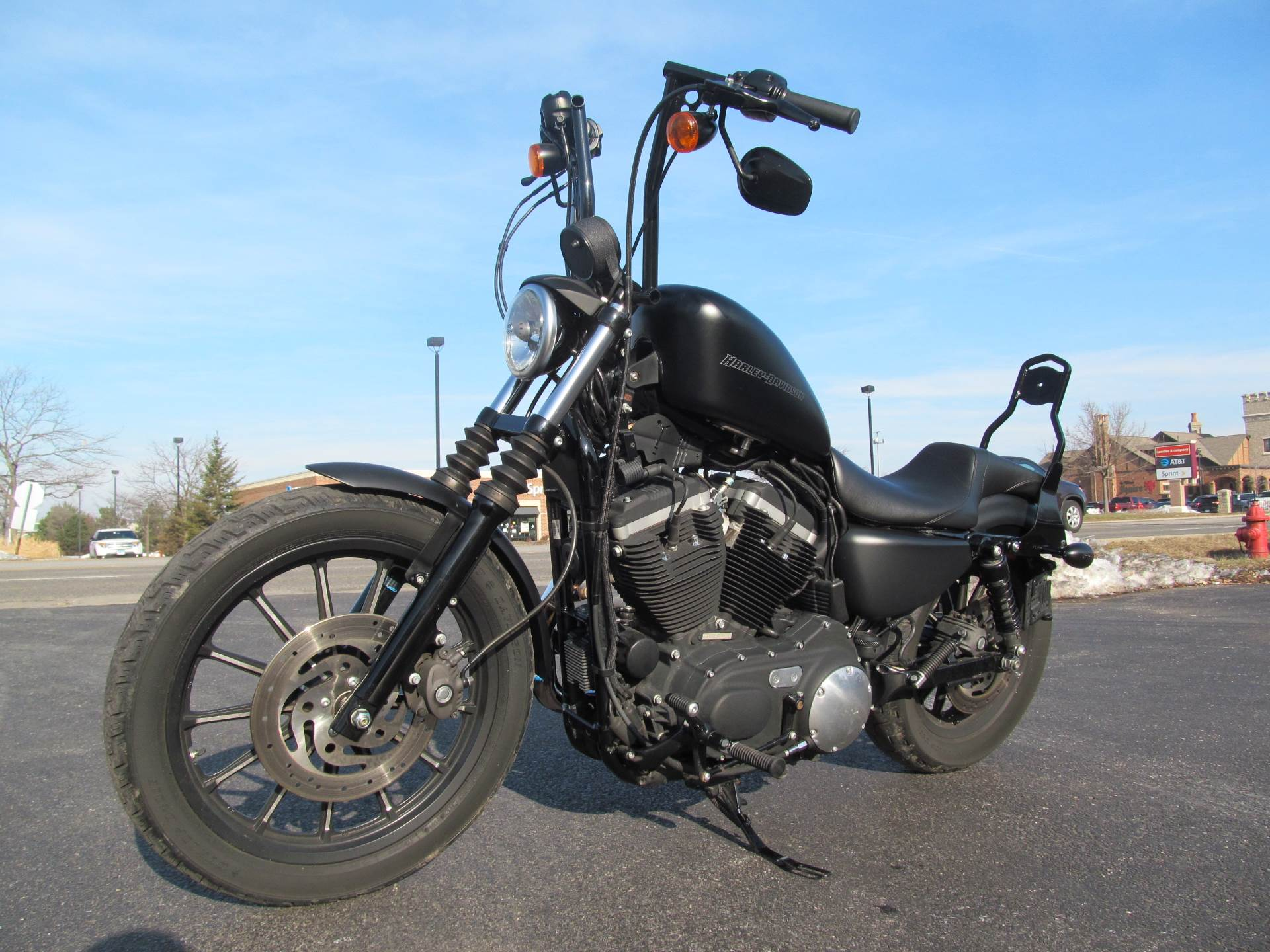 2010 Harley-Davidson Sportster® Iron 883™ in Crystal Lake, Illinois - Photo 4