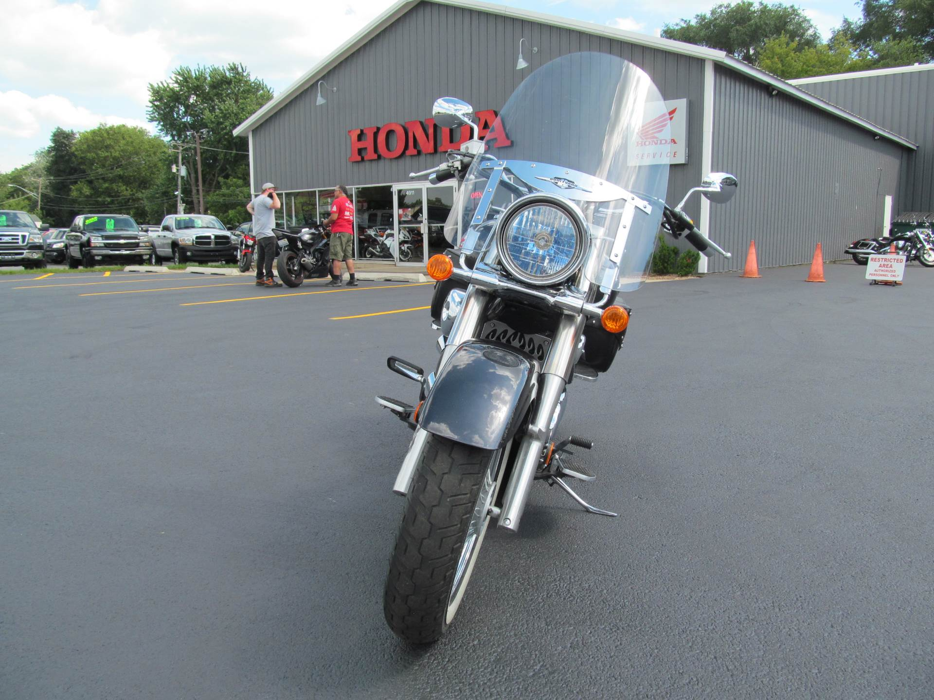2005 Suzuki Boulevard C50T in Crystal Lake, Illinois