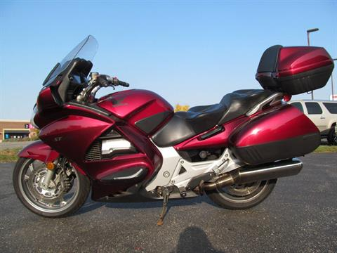 2005 Honda ST™1300 in Crystal Lake, Illinois - Photo 2