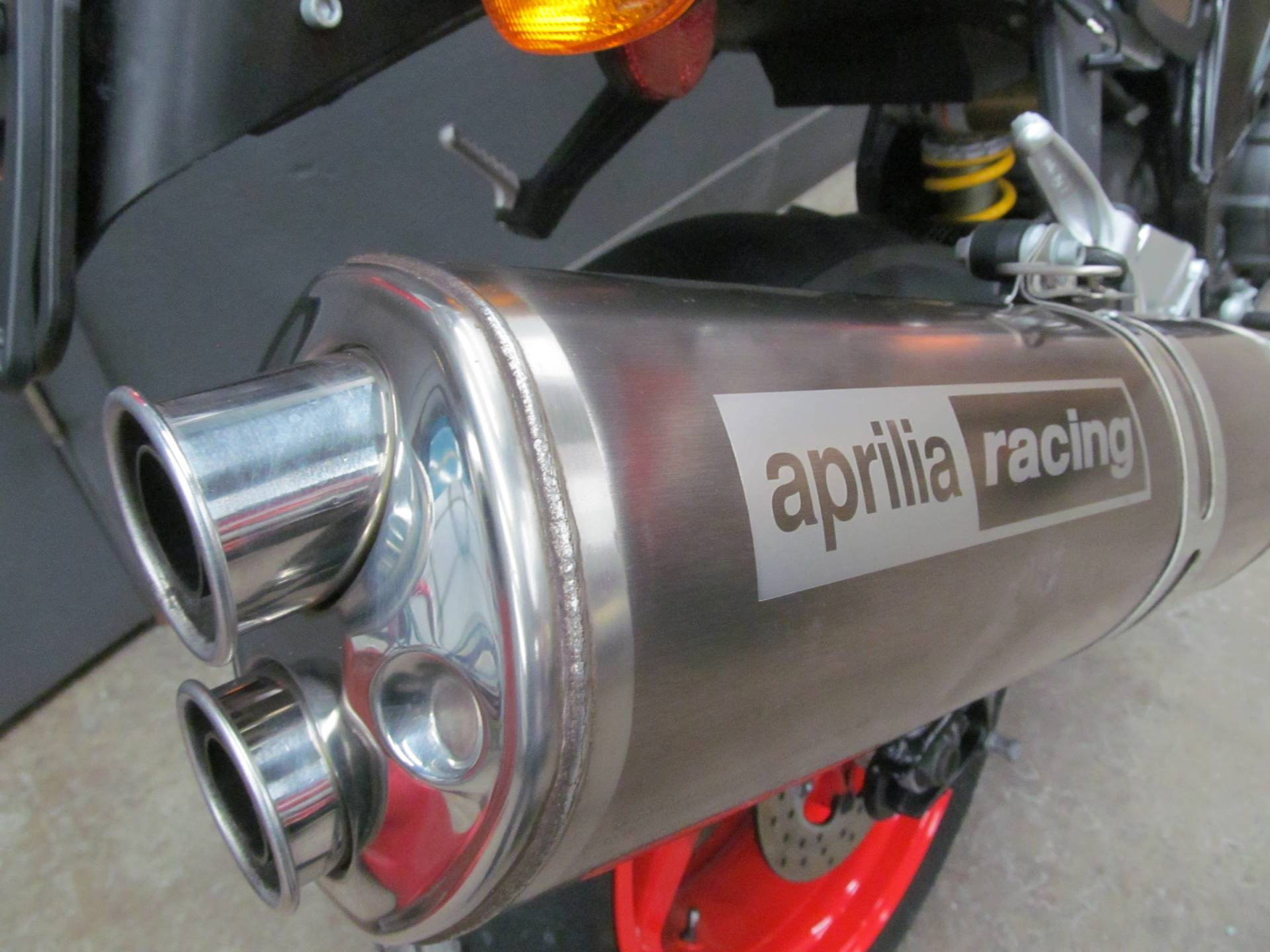 2005 Aprilia TUONO R in Crystal Lake, Illinois - Photo 10