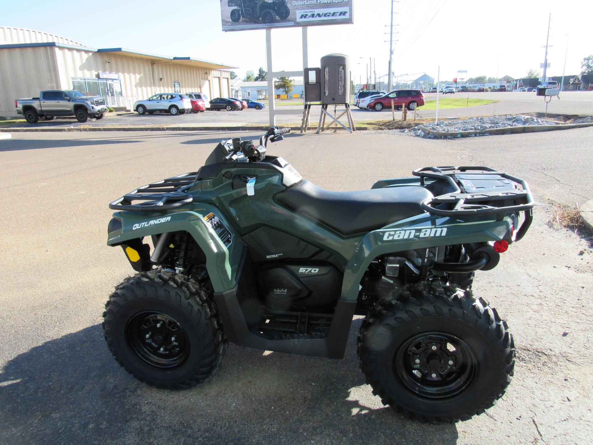 2021 Can-Am Outlander 570 in Dyersburg, Tennessee - Photo 4