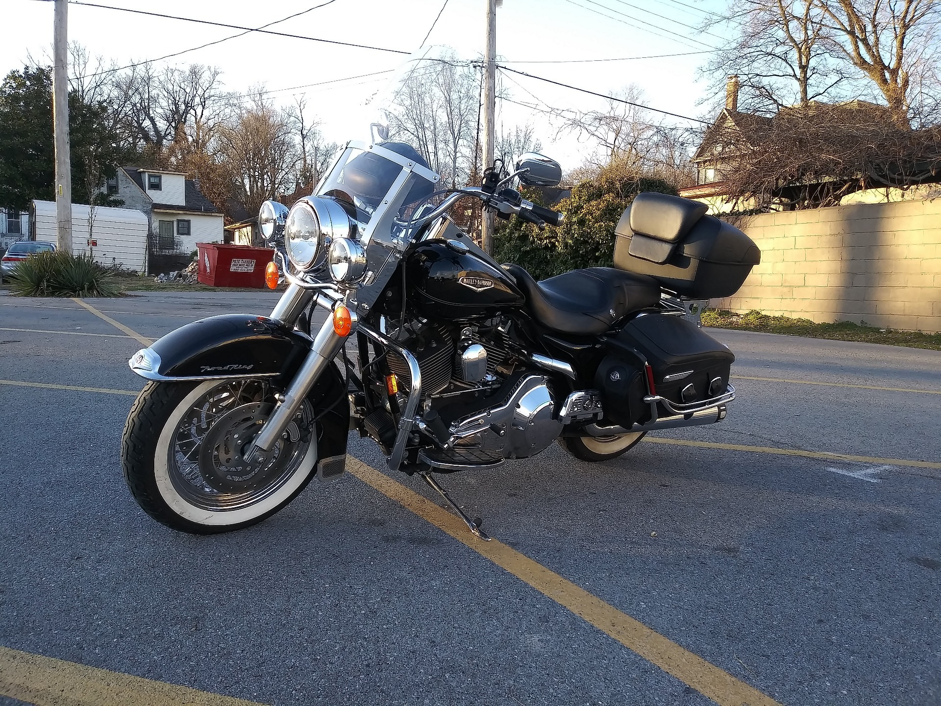 2005 Harley-Davidson FLHRCI Road King® Classic in Cape Girardeau, Missouri - Photo 4