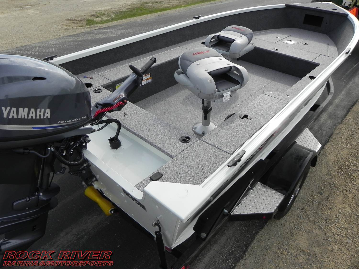 2018 Alumacraft Escape 165 Tiller in Edgerton, Wisconsin