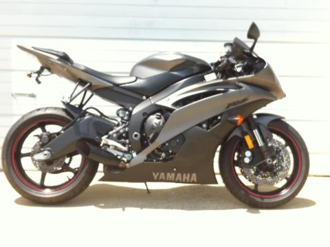 2013 Yamaha YZF-R6 in Sanford, North Carolina