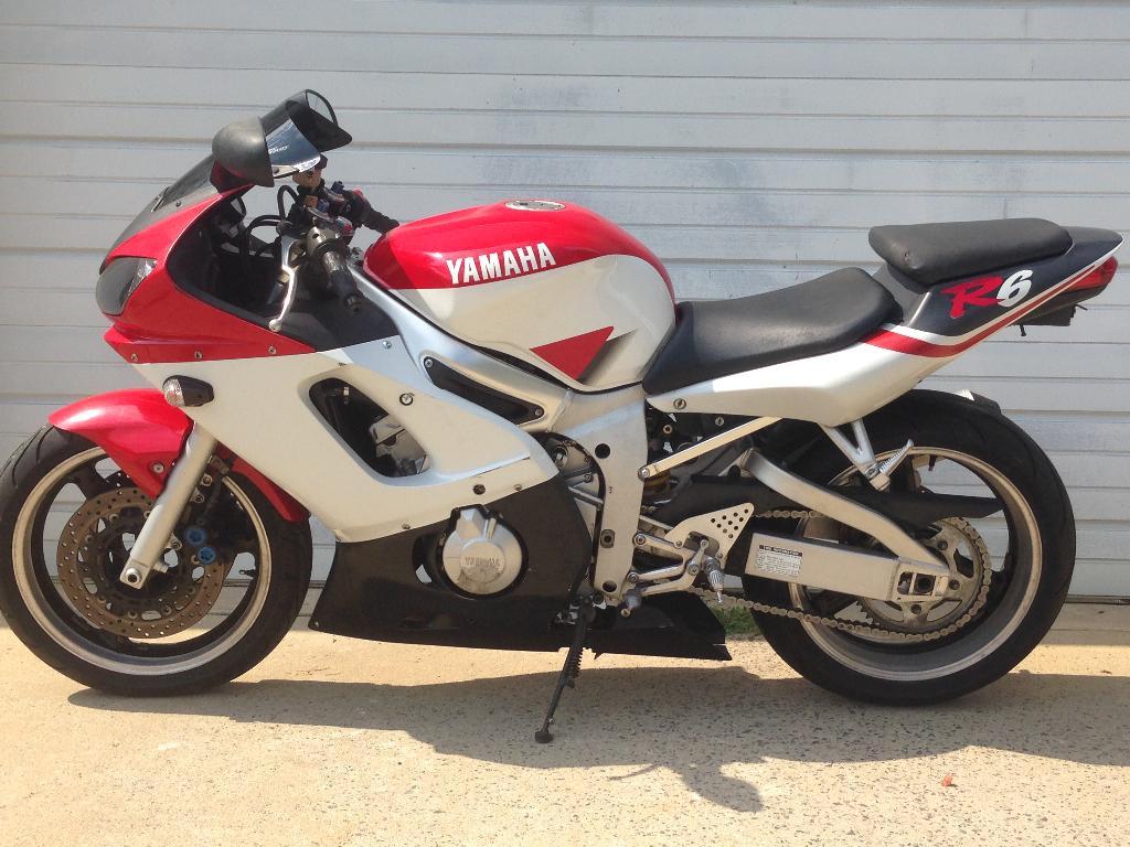 2000 Yamaha YZF-R6 3