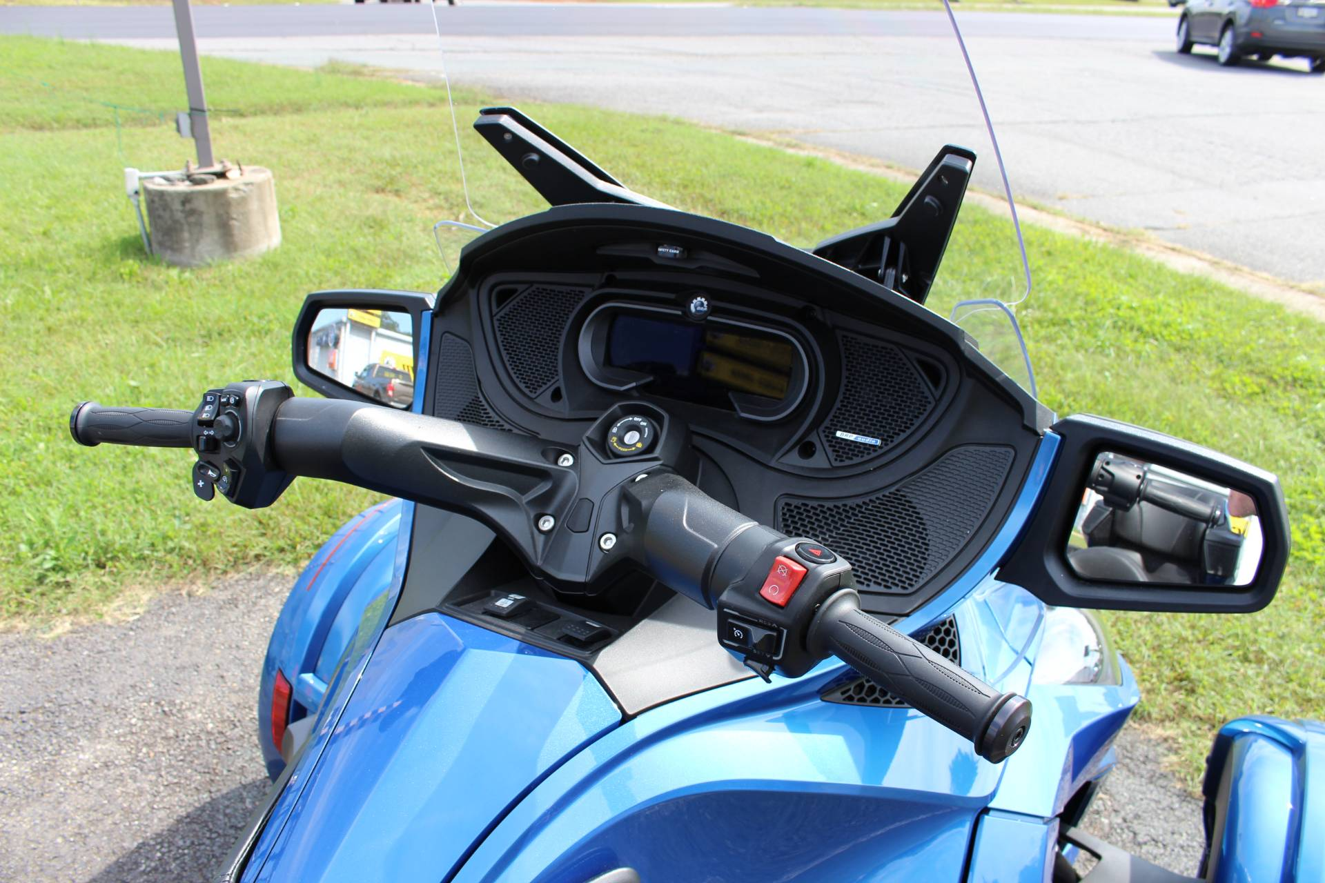 2018 Can-Am Spyder RT Limited in Ruckersville, Virginia - Photo 5