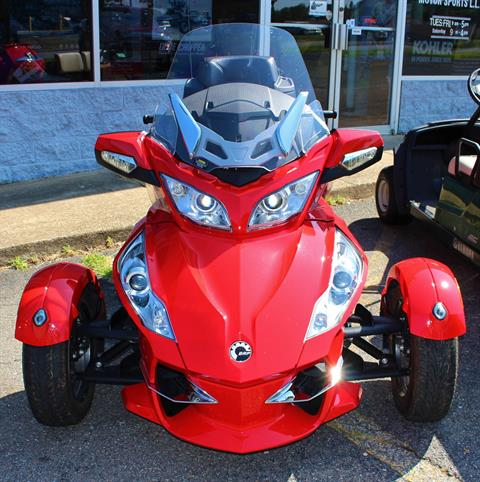 2012 Can-Am Spyder® RT-S SE5 in Ruckersville, Virginia - Photo 2