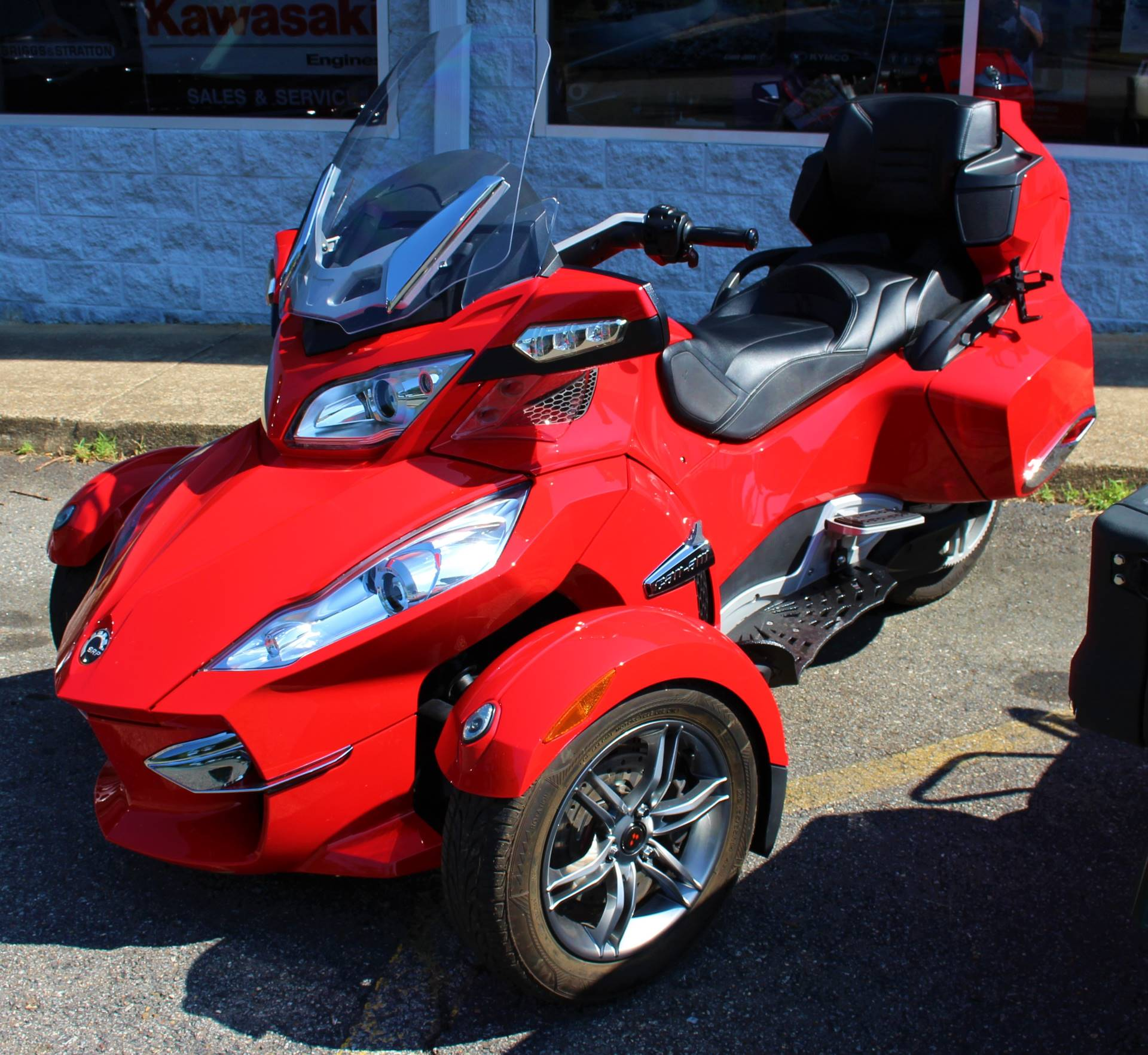 2012 Can-Am Spyder® RT-S SE5 in Ruckersville, Virginia - Photo 3