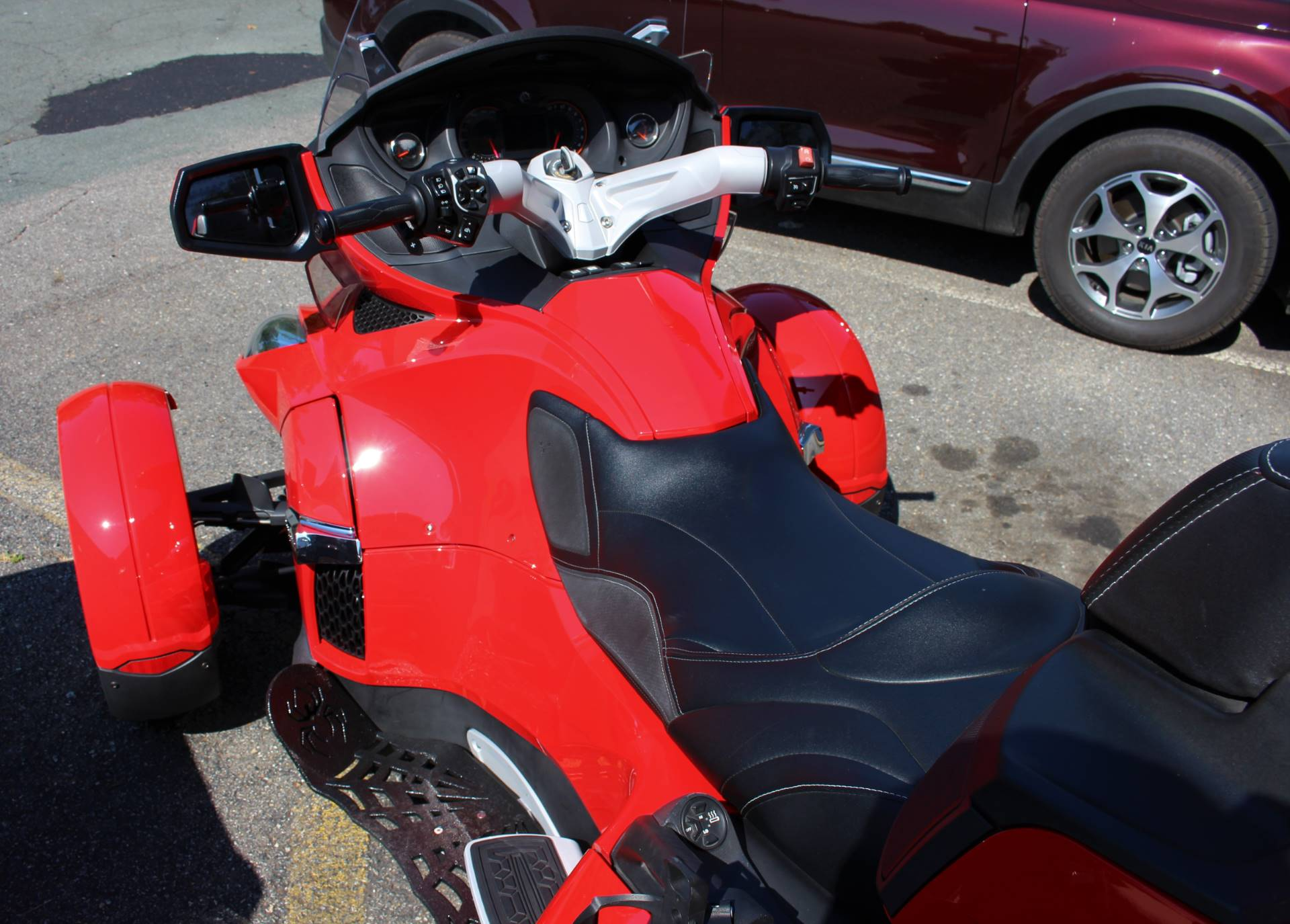 2012 Can-Am Spyder® RT-S SE5 in Ruckersville, Virginia - Photo 4