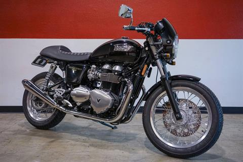 2016 Triumph Custom Thruxton 900 in Brea, California