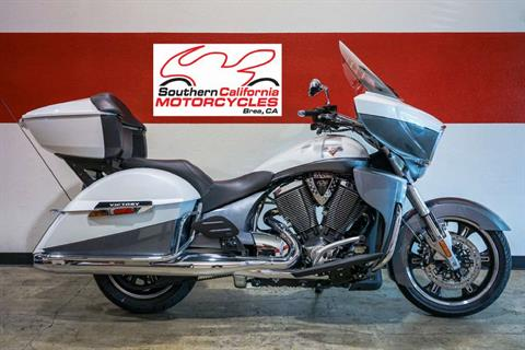 2016 Victory Cross Country Tour White Pearl / Super Steel Grey in Brea, California