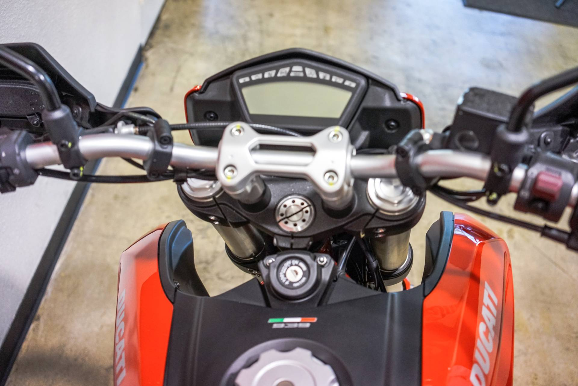 2018 Ducati Hypermotard 939 in Brea, California - Photo 5
