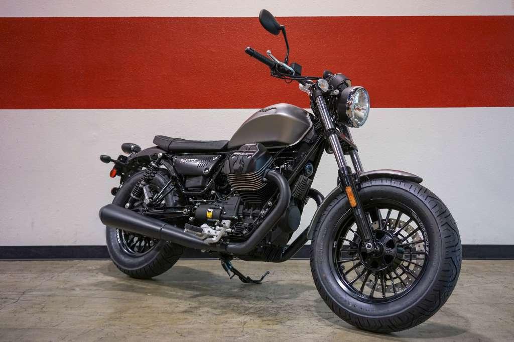 2017 Moto Guzzi V9 Bobber Grigio Sport in Brea, California