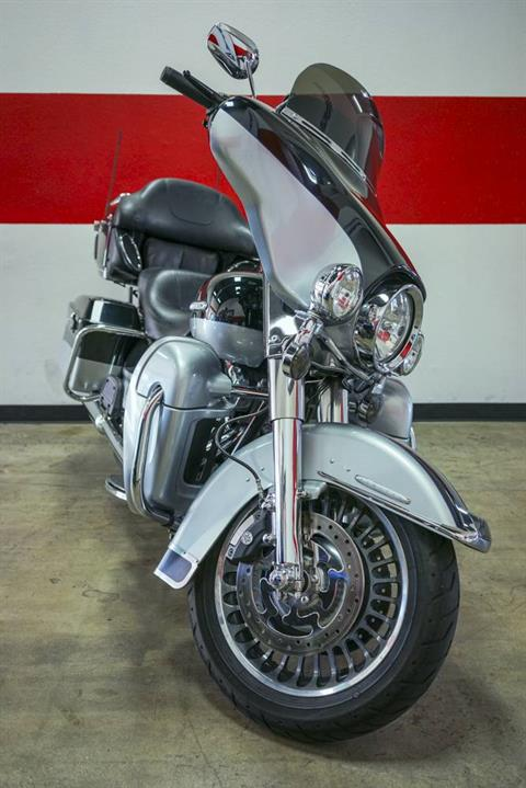 2012 Harley-Davidson Electra Glide® Ultra Limited in Brea, California - Photo 8