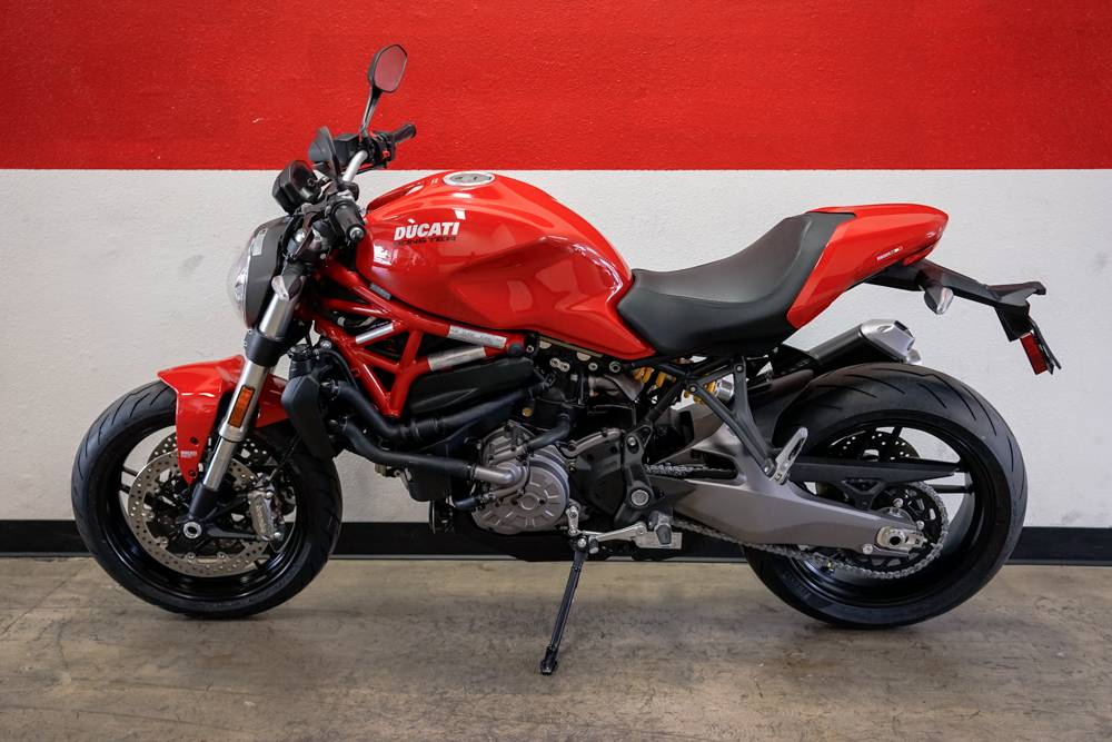 2019 Ducati Monster 821 in Brea, California - Photo 10