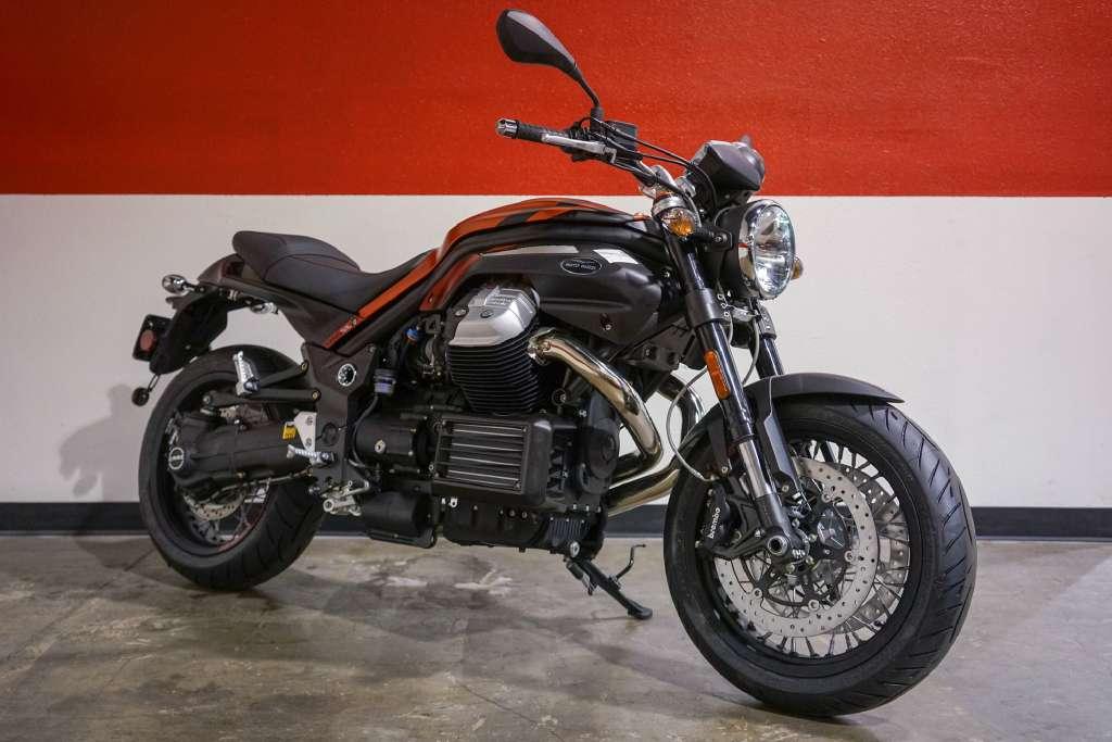 2017 Moto Guzzi Griso 8V SE in Brea, California