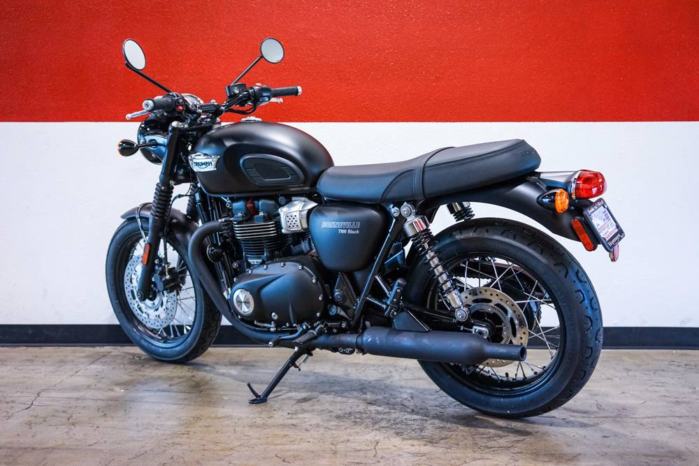2017 Triumph Bonneville T100 Black in Brea, California