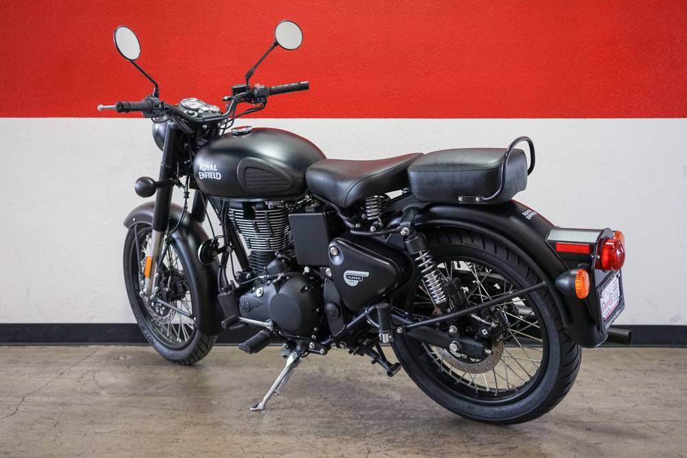 2018 Royal Enfield Classic Stealth Black ABS in Brea, California - Photo 12
