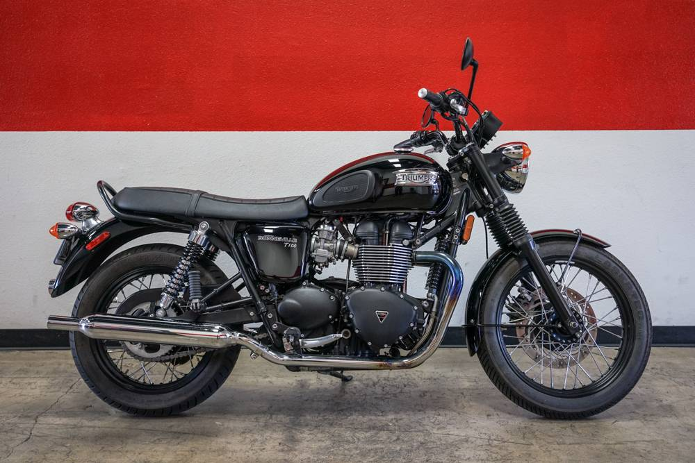 2015 Triumph Bonneville T100 Black in Brea, California