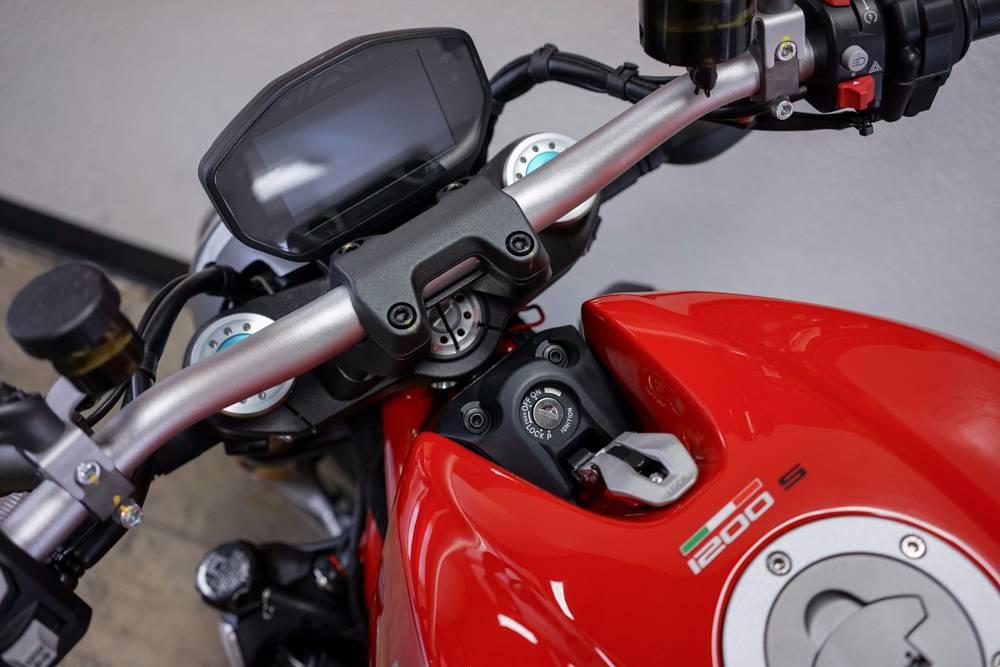 2017 Ducati Monster 1200 S in Brea, California