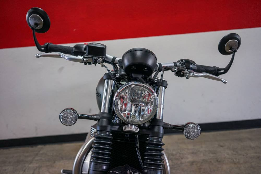 2019 Triumph Bonneville Bobber in Brea, California - Photo 8