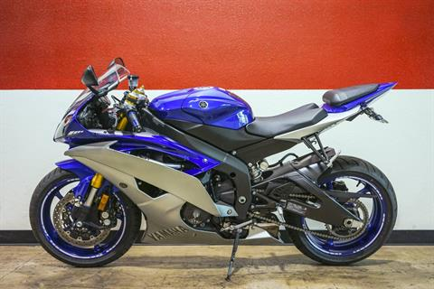 2015 Yamaha YZF-R6 in Brea, California - Photo 10