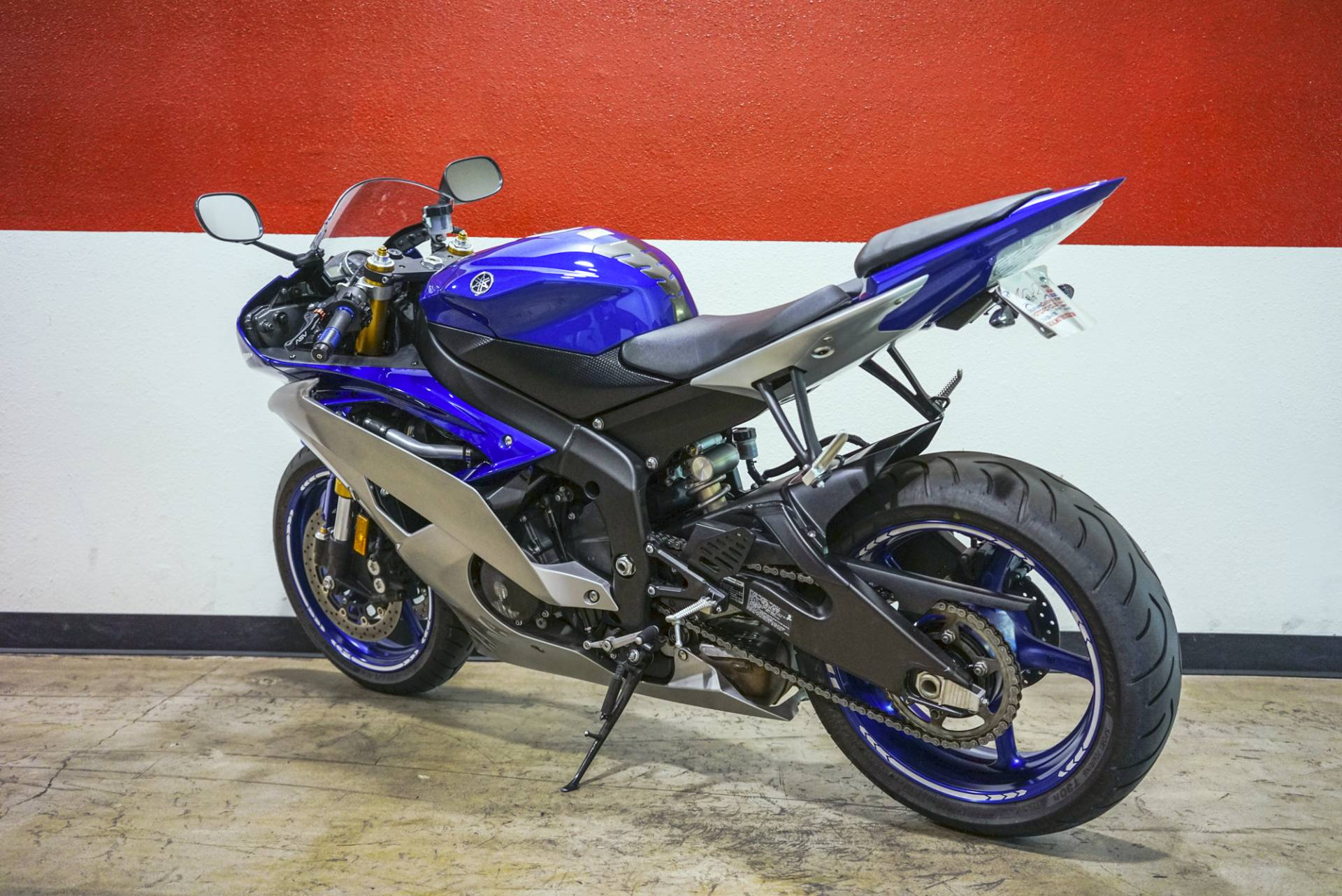2015 Yamaha YZF-R6 in Brea, California - Photo 11
