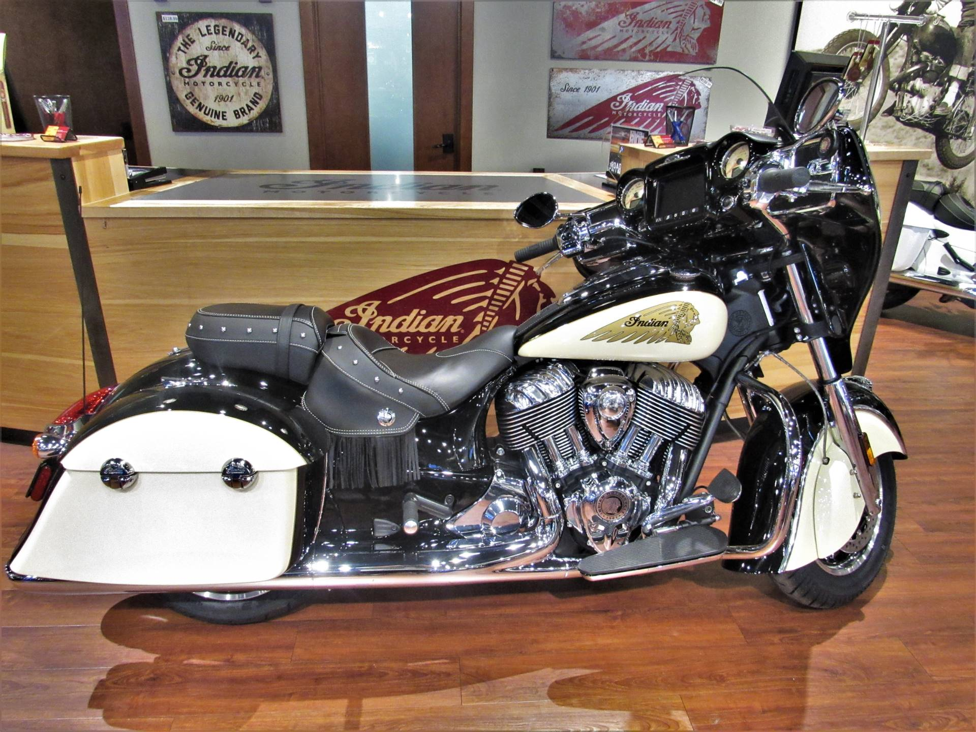 2019 Indian Chieftain® Classic ABS in Elkhart, Indiana - Photo 1
