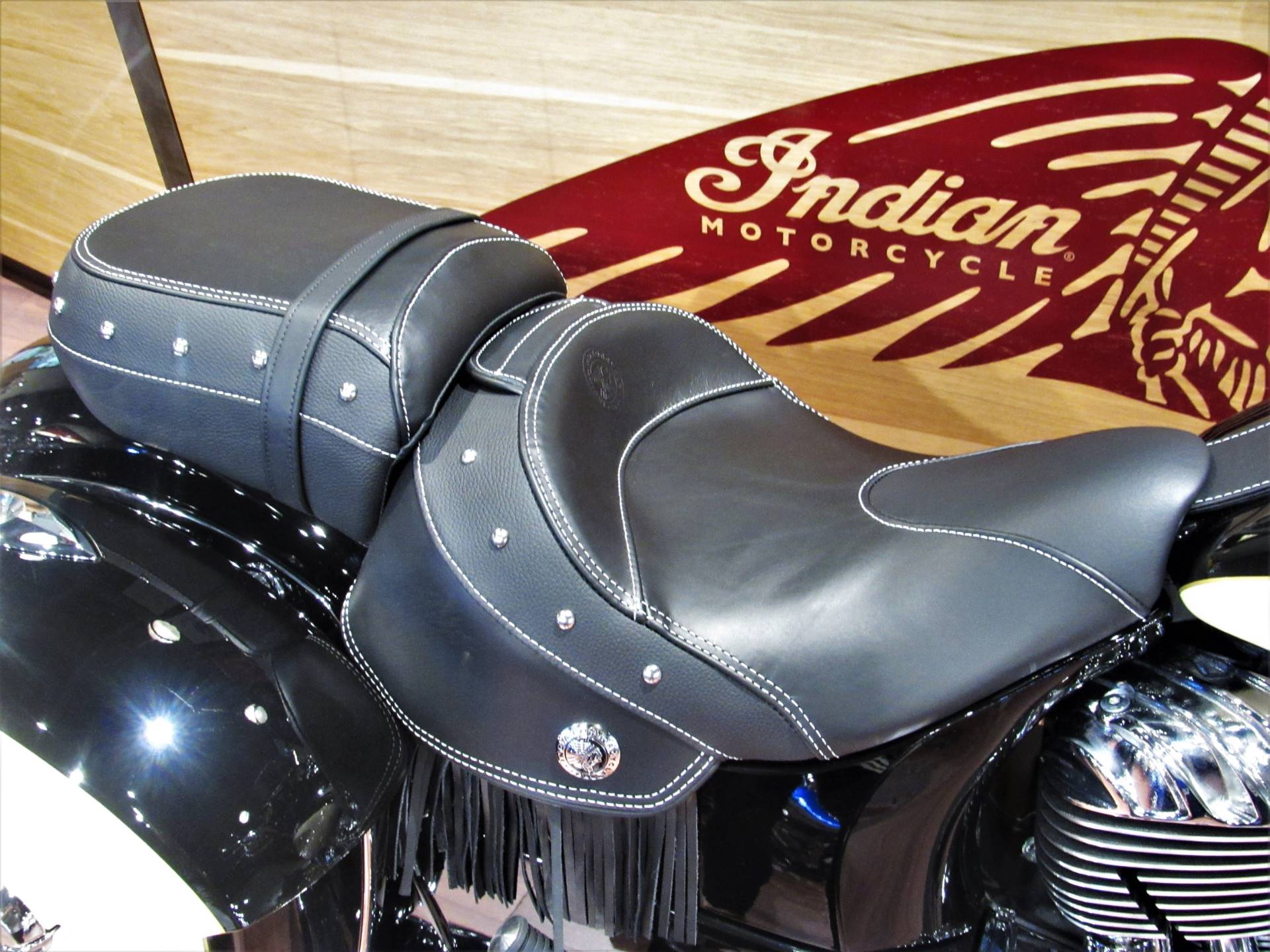 2019 Indian Chieftain® Classic ABS in Elkhart, Indiana - Photo 6