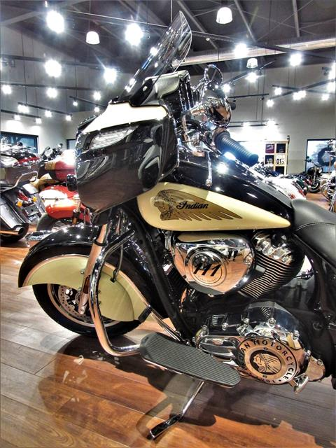 2019 Indian Chieftain® Classic ABS in Elkhart, Indiana - Photo 12