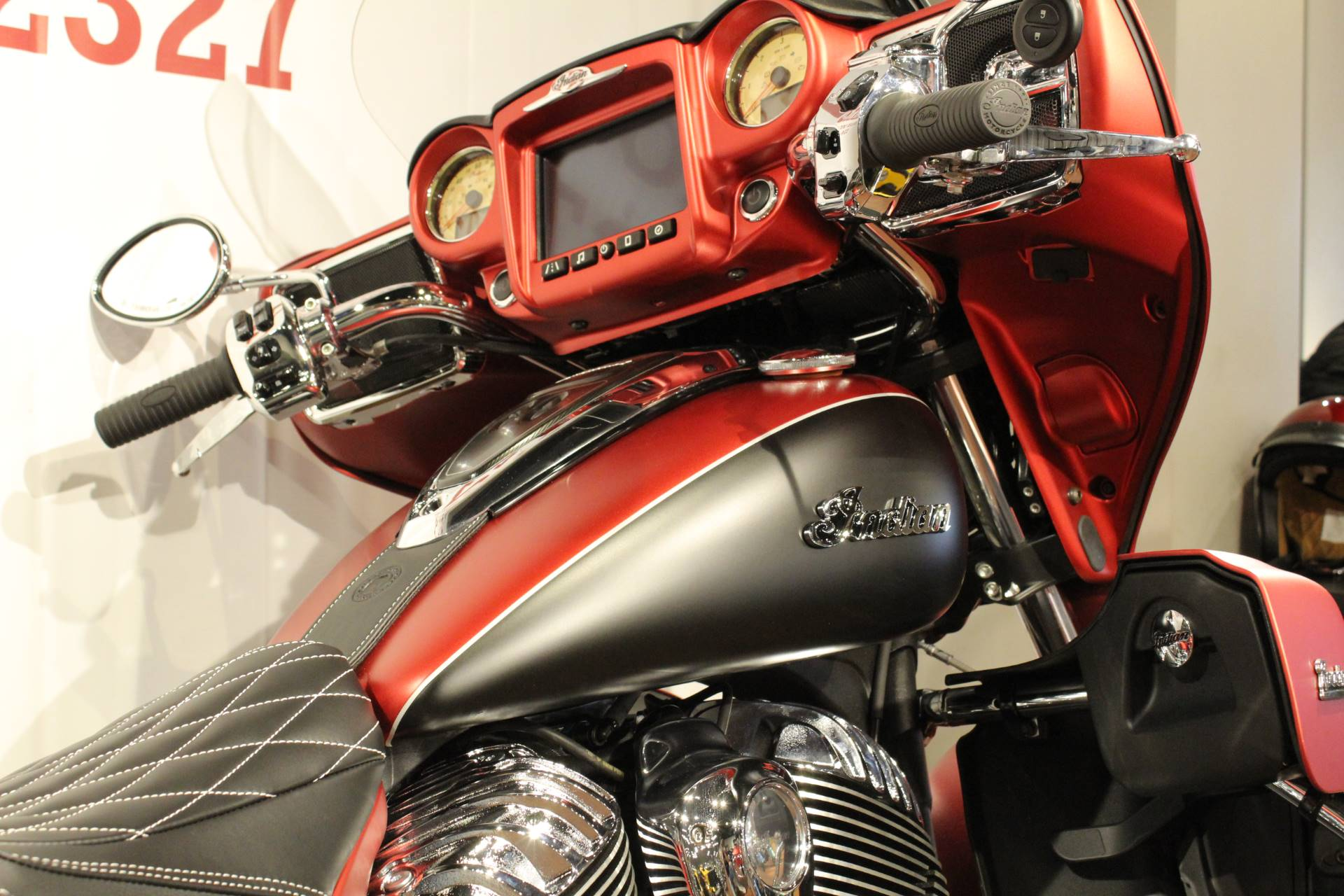 2019 Indian Roadmaster® Icon Series in Elkhart, Indiana - Photo 2