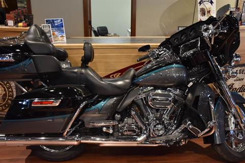 2015 Harley-Davidson CVO™ Limited in Elkhart, Indiana