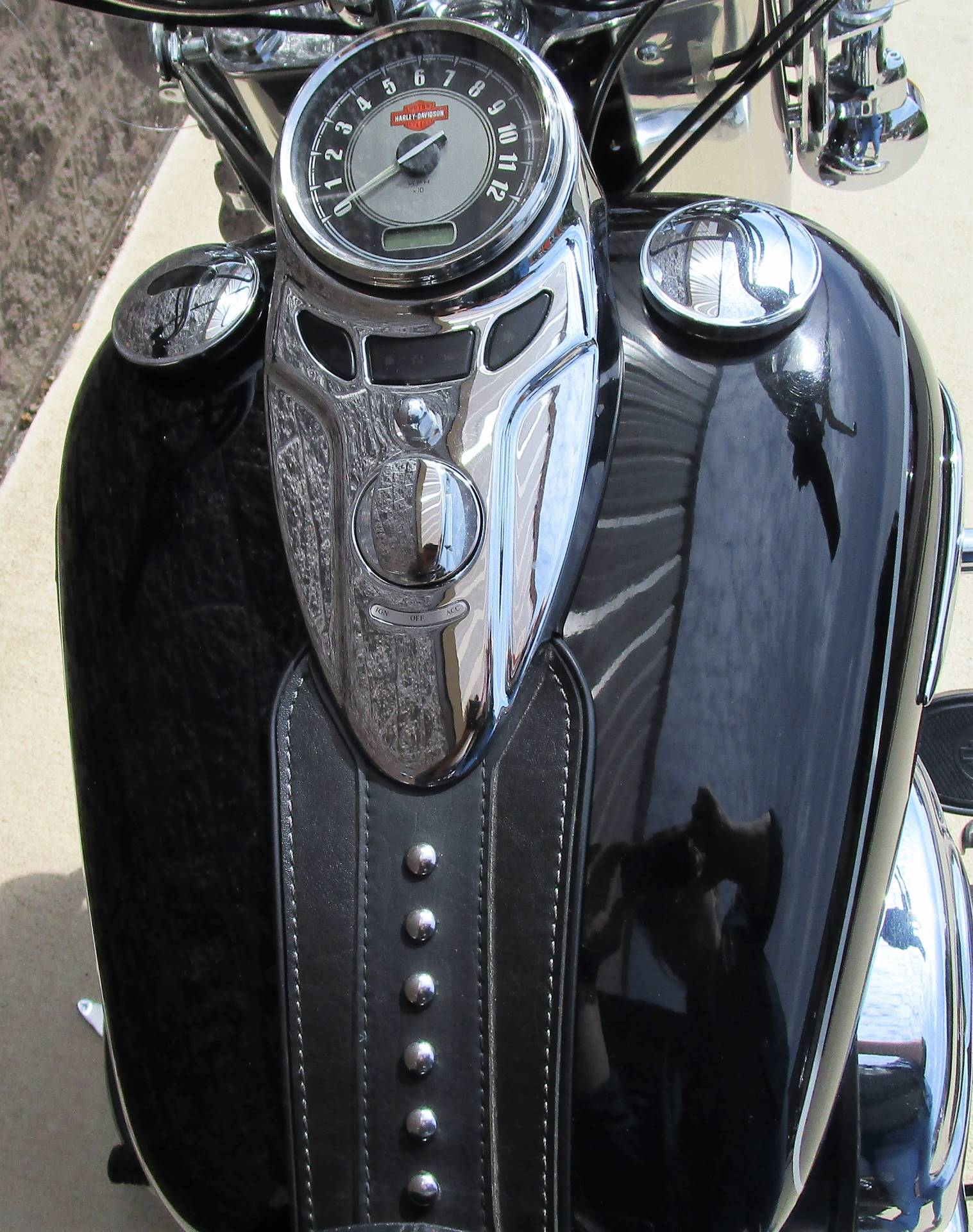 2015 Harley-Davidson Heritage Softail® Classic in Elkhart, Indiana - Photo 5