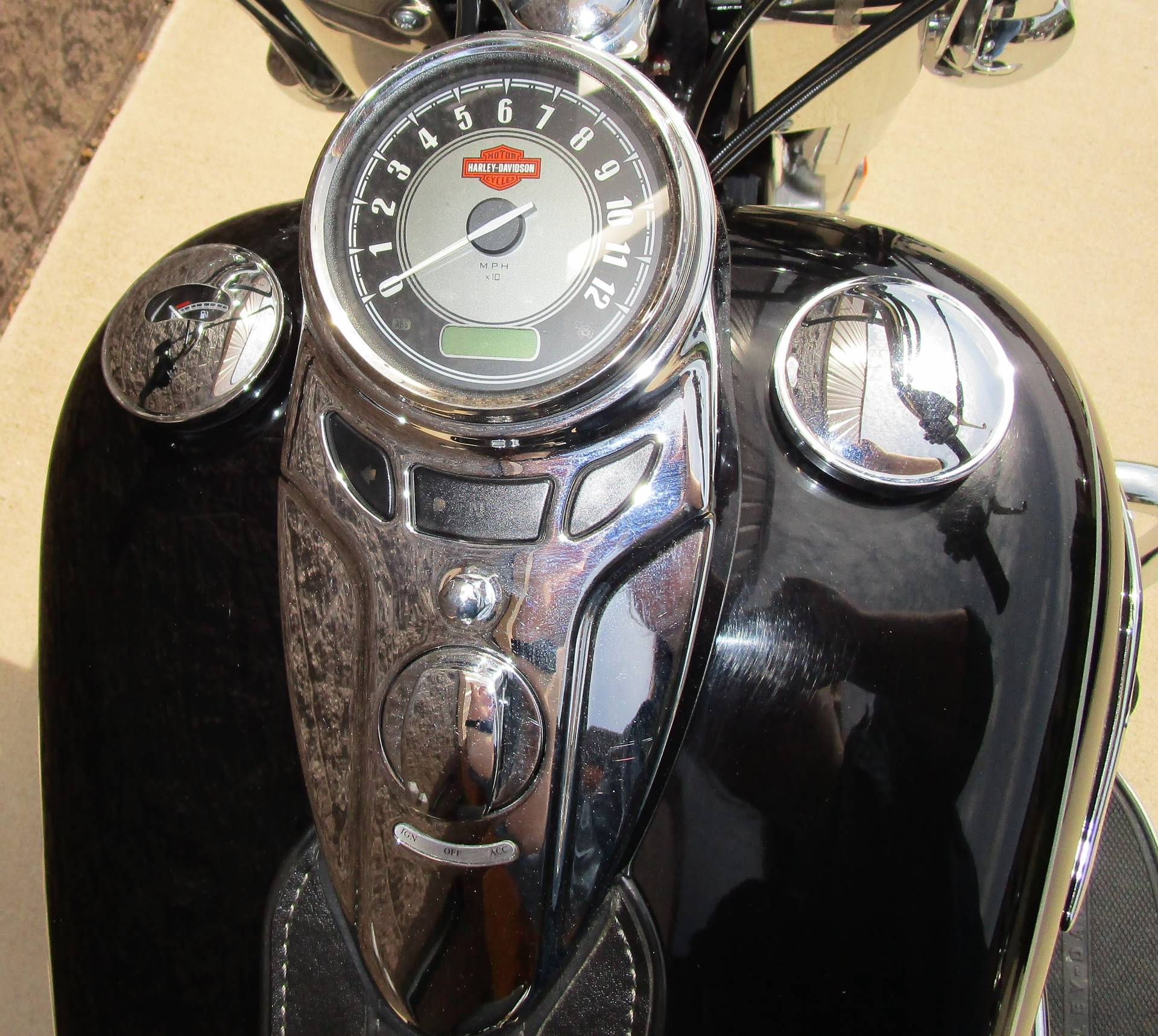 2015 Harley-Davidson Heritage Softail® Classic in Elkhart, Indiana - Photo 4