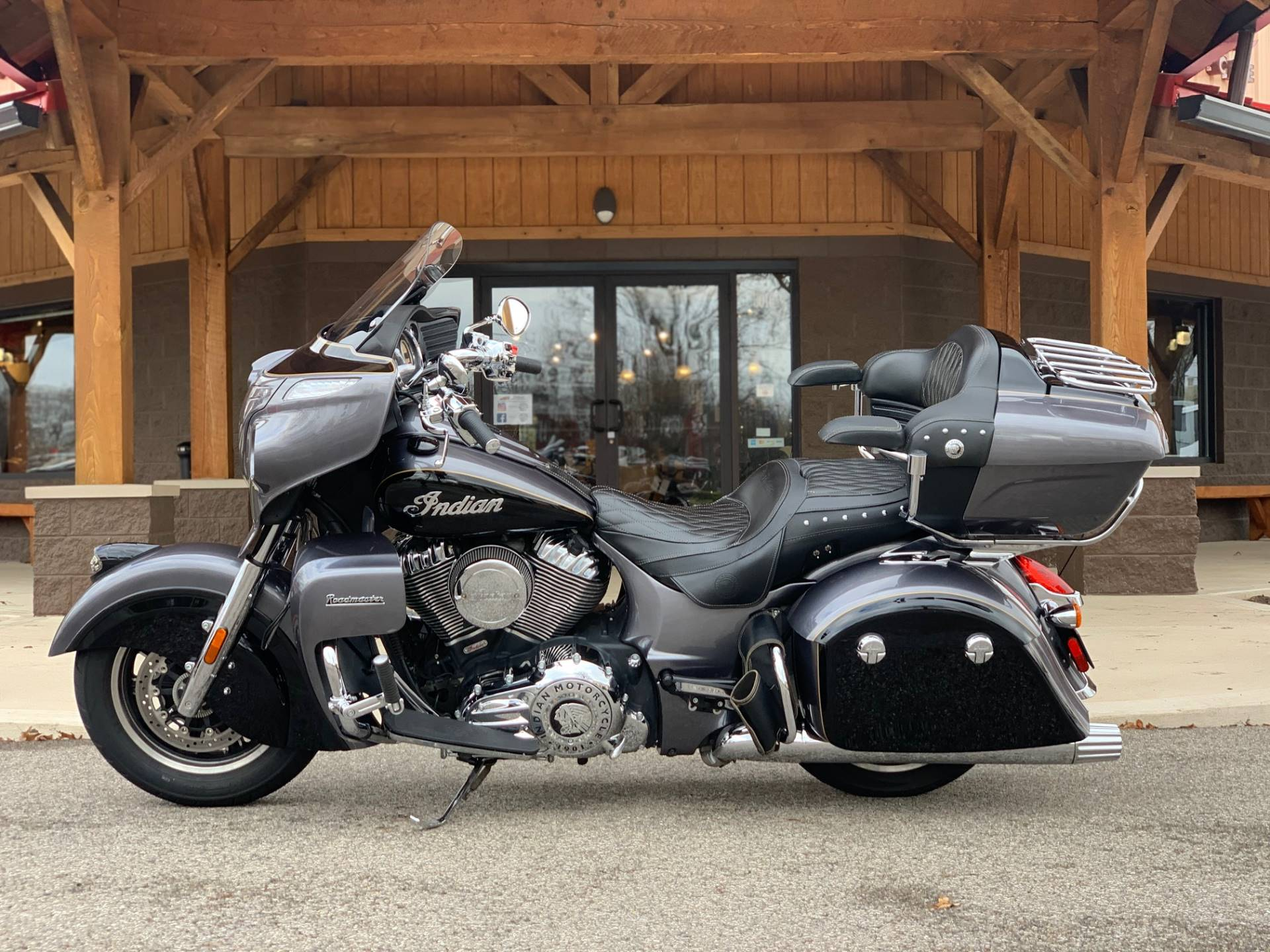 2016 Indian Roadmaster® in Elkhart, Indiana - Photo 3