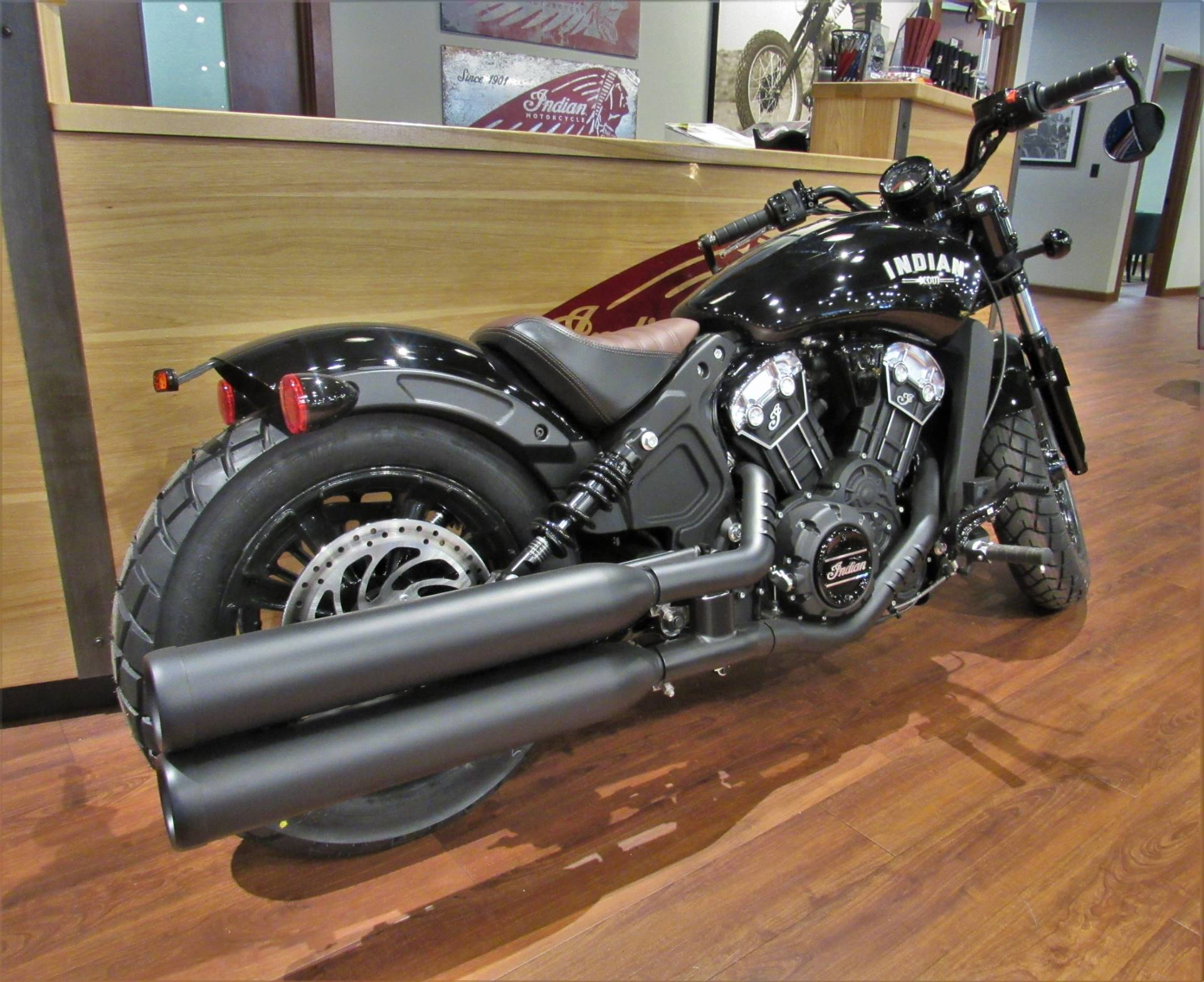 2019 Indian Scout® Bobber in Elkhart, Indiana - Photo 2