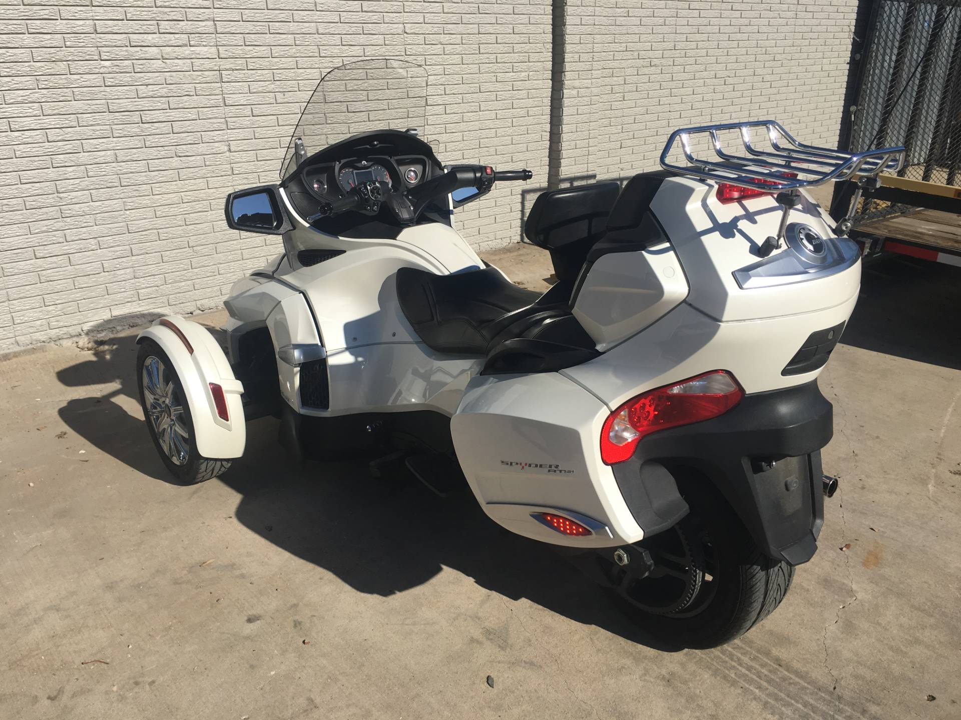 2014 Can-Am Spyder® RT-S SM6 in Richardson, Texas