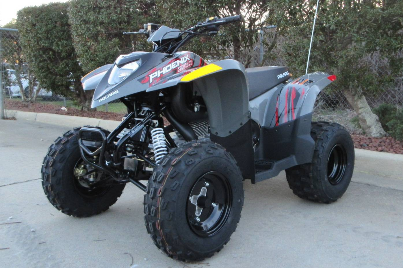 2018 Polaris Phoenix 200 in Sumter, South Carolina