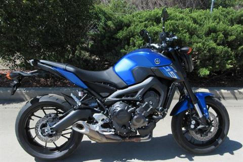 2016 Yamaha FZ-09 in Sumter, South Carolina