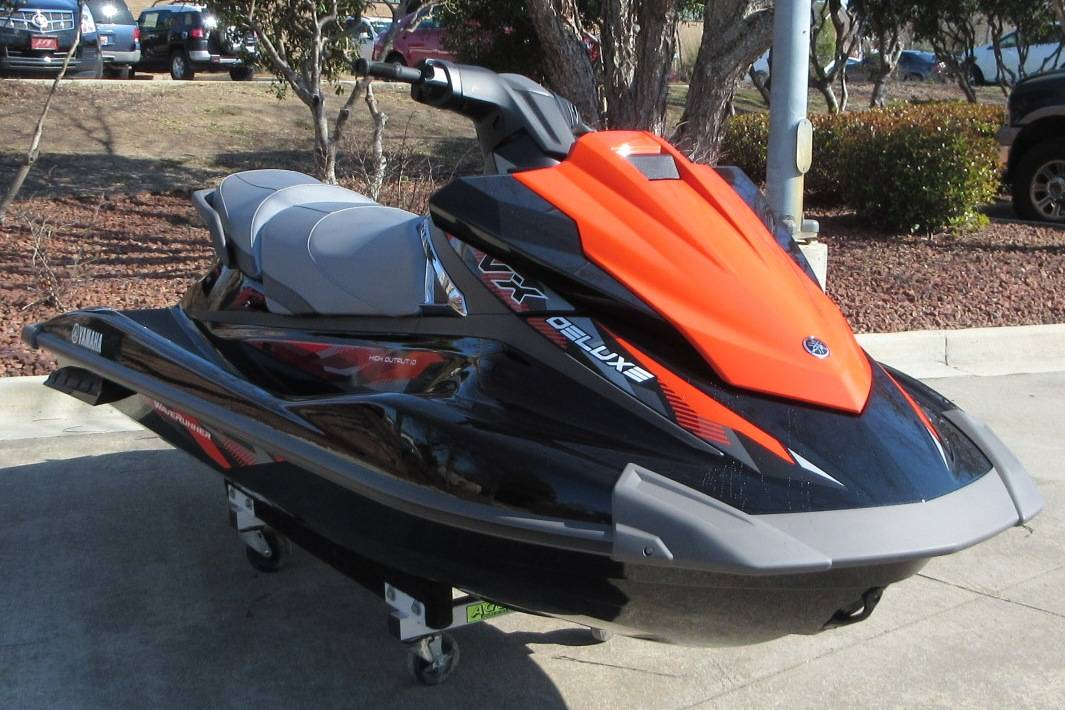 2017 Yamaha VX Deluxe in Sumter, South Carolina